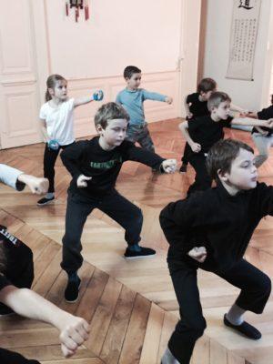 Kung Fu par les enfants de l'Académie Tian Long à Lyon
