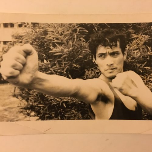 Maître SUN Fa au début de sa carrière sportive en Kung Fu, enseigne maintenant à l'Académie Tian Long Lyon1